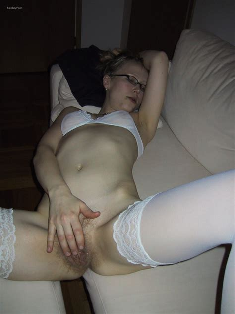 Hairy soaking wet mom reading Mills and Boon adult book on..
