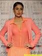 Bollywood Actress Kareena Kapoor In Pink Dress - Actress Album