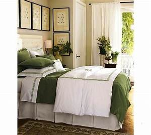decorating small bedroom ideas on a budget small bedroom With small bedroom decorating ideas on a budget
