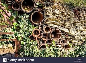Wohnungen Mit Garten : inl ndische recycelt und bauschutt recycling zum einsatz als zur ckhaltende mauer in einem ~ Orissabook.com Haus und Dekorationen