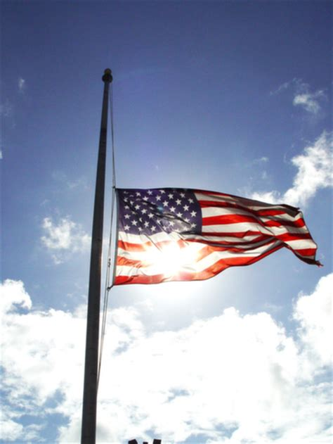 governor cuomo directs flags   staff  honor