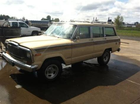 sell   jeep wagoneer   wifes daily driver