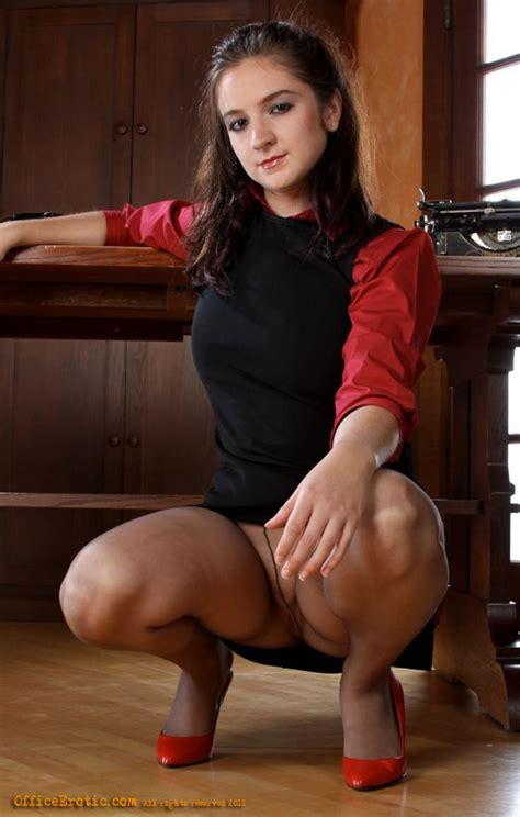 Secretary Megan In Sheer Brown Pantyhose With No A Panties