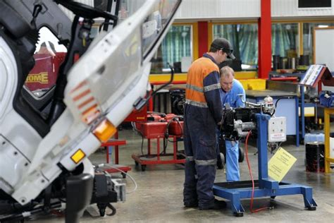 Hobart Automotive Workshop To Close  The Examiner. Thomson Reuters Data Center Csu Online Mba. Online Foreign Language Courses. Paramedic Programs In Arizona. Transfer Files From Phone To Pc. Small Business Management Degree. Top Business Colleges In Indiana. Houston Reputation Management. Application Inventory Management