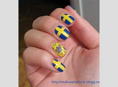 Sweden flag nail art by MakeupMyLack sminkblogg