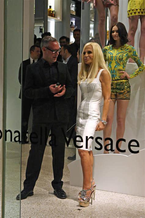donatella versace donatella versace unveils new collection zimbio