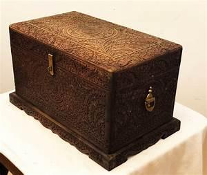 Truhe Aus Holz : geschnitzte indische truhe aus holz 1930er bei pamono kaufen ~ Watch28wear.com Haus und Dekorationen