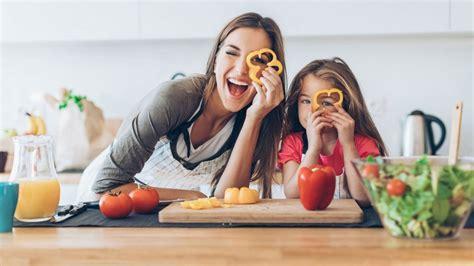 cuisiner les oronges 10 recettes pour cuisiner avec ses enfants magicmaman com