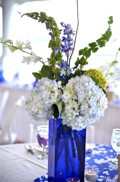 Glass Vase Arrangements by Blue Glass Centerpieces So Blue Wedding
