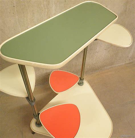 sixties meubelen retro vintage plantenstandaard plant table bestwelhip