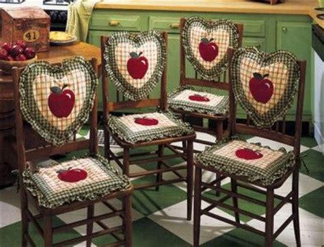 apple decorations  kitchen details  apple