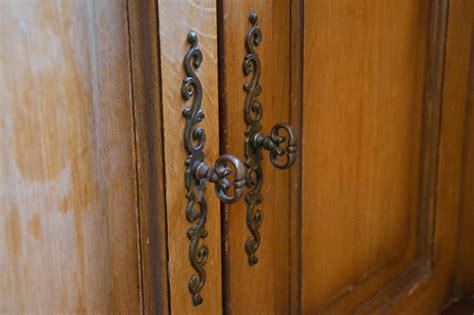 changer porte de cuisine enchanteur changer poignee meuble cuisine et ranover une