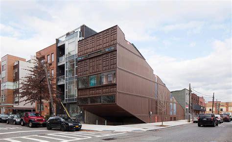 Haus Aus Container by Haus Aus 21 Verschnittenen Containern