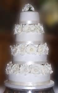 white wedding cakes 4 tier wedding cake with white roses