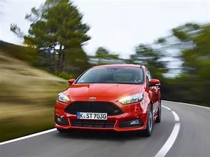 Ford Focus St Line Occasion : essai ford focus st tdci 185 familiale et sportive l 39 argus ~ Medecine-chirurgie-esthetiques.com Avis de Voitures