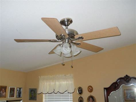 ceiling fan that wobbles and makes noise