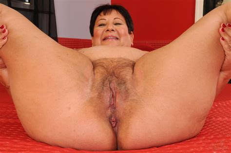 26257 H 014  Porn Pic From Chubby Granny Lawanda Gets