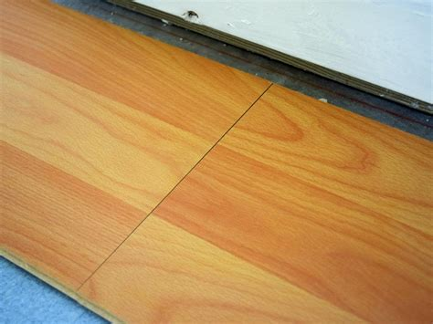 Not Staggering Laminate Flooring by How To Install A Laminate Floor How Tos Diy