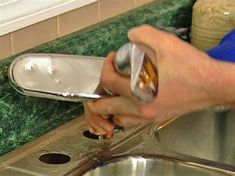 How to Remove and Replace a Kitchen Faucet   how tos   DIY