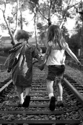 boy  girl holding hands images   boy