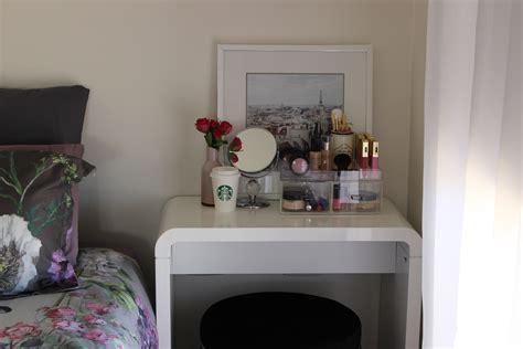 vanity ideas  small bedroom furniture ideas  small