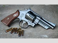 SemiAutomatic Pistols vs Revolvers Which is Better?