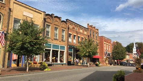 store sevierville tn heroesbrave discover these gem tennessee small towns