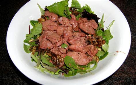comment cuisiner les foies de volaille salade tiède de foies de volaille recette de salade