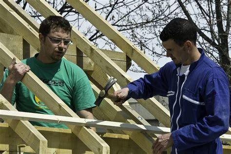 monteur en construction bois idee metier afpa