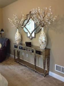 7 belles facons de decorer son entree avec un miroir With la maison des artisans 6 decorer avec des miroirs antiques