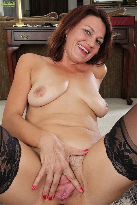 Slutty Ava Austin Pleasure Her Kitty Milf Fox