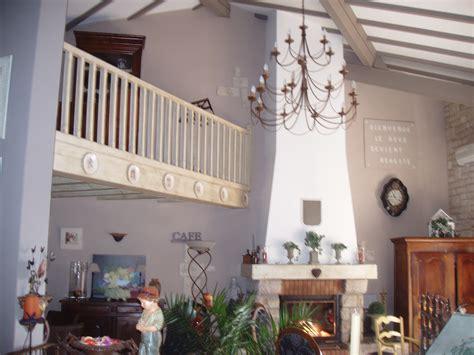 deco cuisine salle a manger la mezzanine photo 4 6 poutre patinee en beige et