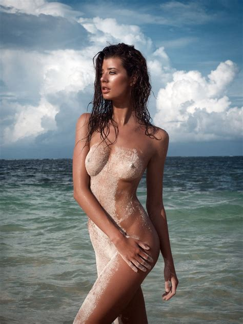 sarah mcdaniel nude and sexy 11 photos thefappening