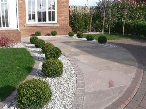 driveway landscapes low maintenance landscape and well draining driveway border pinteres