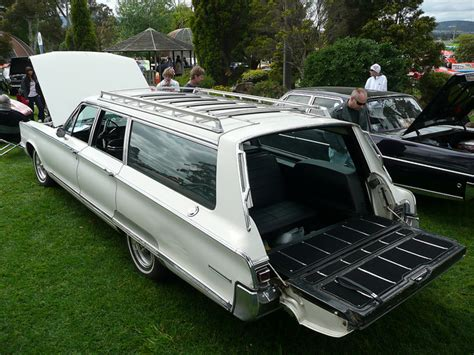CHRYSLER TOWN & COUNTRY - 255px Image #6