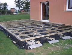 poser terrasse composite. pose d 39 une terrasse en bois composite ... - Comment Poser Une Terrasse En Composite Sur Plots
