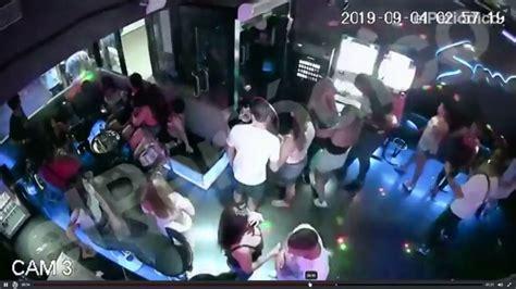 las duras imagenes del apunalamiento mortal de una chica en una discoteca del puerto olimpico de