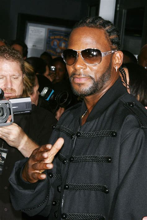 Kelly's manager charged with phone threats to theater. R. Kelly sings about troubles in revealing 19-minute song   WLOS