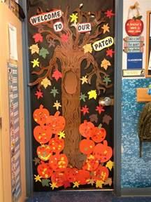 Halloween Classroom Door Decorating Contest by Autumn Door Decorations Fall Door At Door