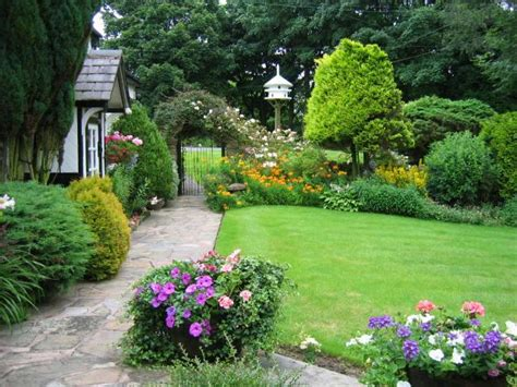 Small Cottage Garden Ideas English Cottage Gardens