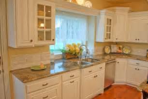 kitchen glass backsplashes country kitchen backsplash ideas homesfeed