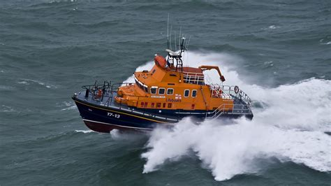 lifeboat rnli severn class lifeboats weather team fleet kirkwall stations