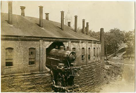 Boat Crash Hamlin by New York New And Hartford Railroad Locomotives
