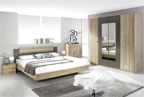 chambre  coucher en bois moderne lune des cinq chambres