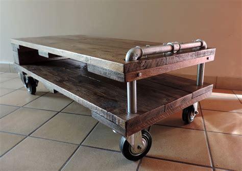 canape en palette bois meuble tv table basse de style industriel les ateliers