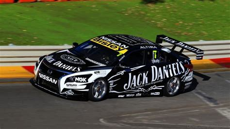 nissan altimas teanas pulling strong in v8 supercar chionship safe and fast
