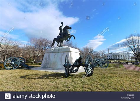 Haus Kaufen Usa Washington by General Andrew Jackson Reiterstatue In Lafayette Park Vor