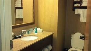 Nicely decorated bathrooms picture of hampton inn for Nicely decorated bathrooms