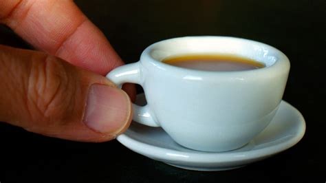 2020 popular 1 trends in home & garden, toys & hobbies, sports & entertainment, home appliances with small coffee mugs and 1. This Tiny Cup of Coffee Is Made From Just One Bean | Food ...