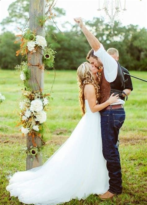 12012 country wedding photography poses 56 rustic country wedding ideas deer pearl flowers